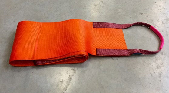 Lifting sling for vehicles